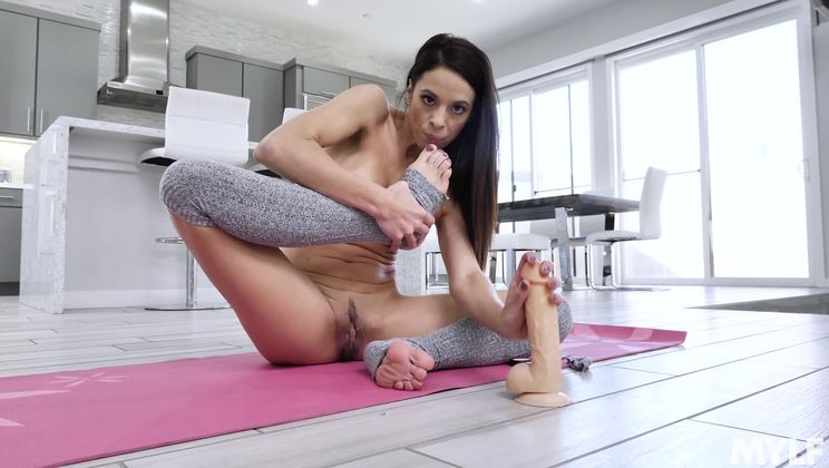 Nude Yoga Lessons