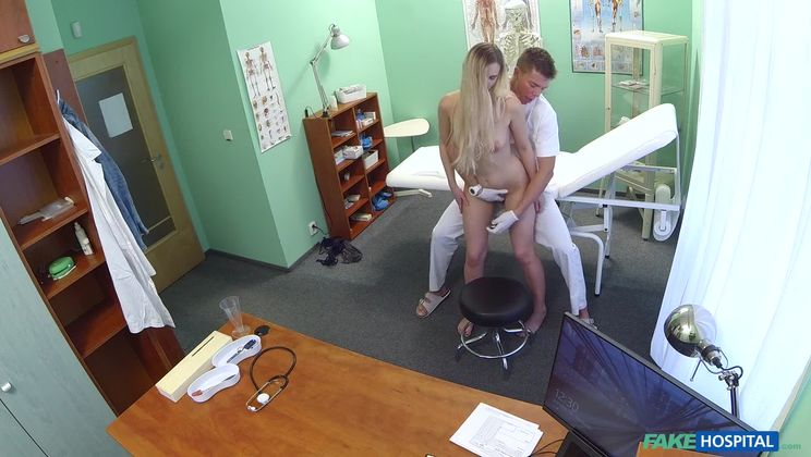 Sexual Surprise in Patient's Pussy