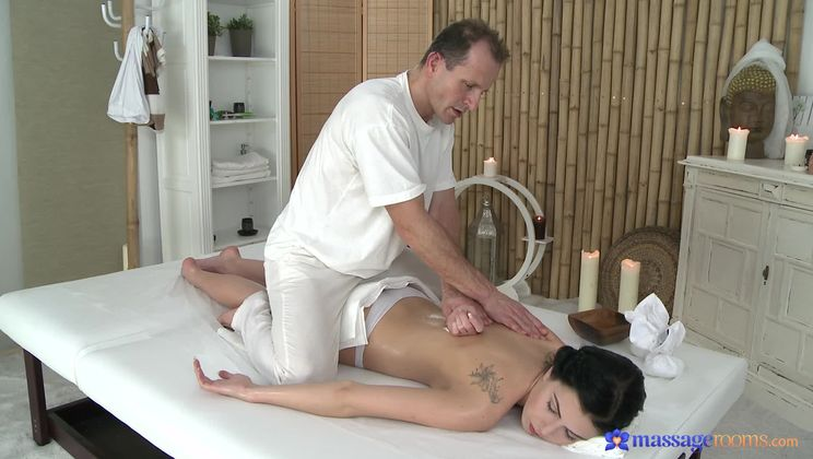 He Massages Her Pussy, She Massages His Dick