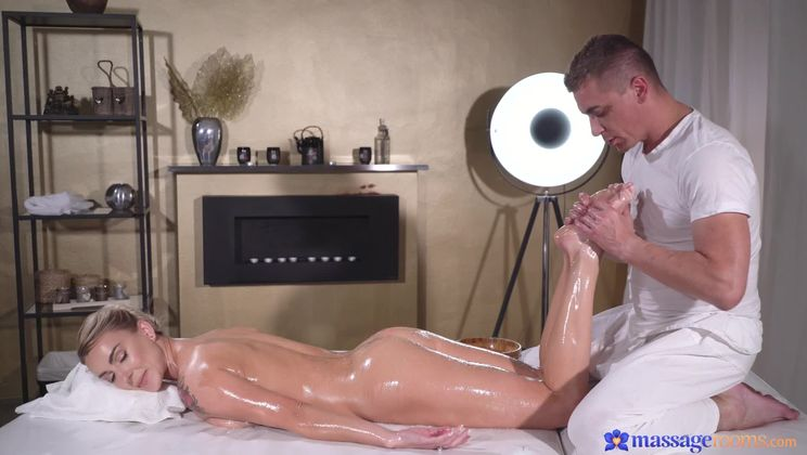 Oiled glamorous Russian squirting