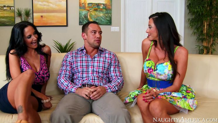 Ariella Ferrera,Ava Addams,Johnny Castle My Friend's Hot Mom