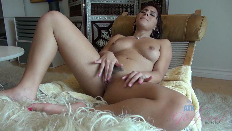 Bathing and Masturbation with Liv Aguilera