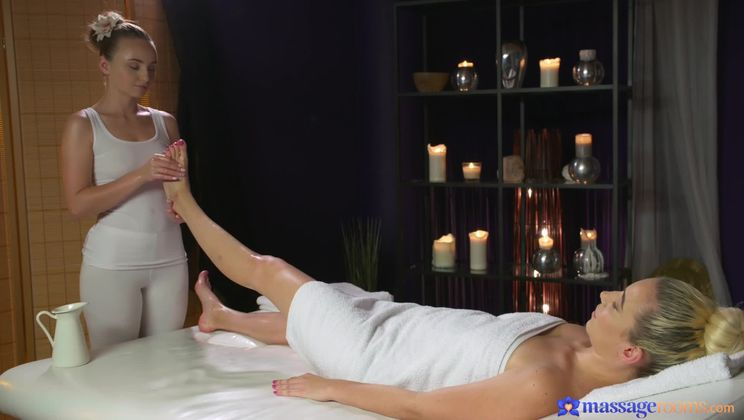 Passionate orgasms for hot lesbians